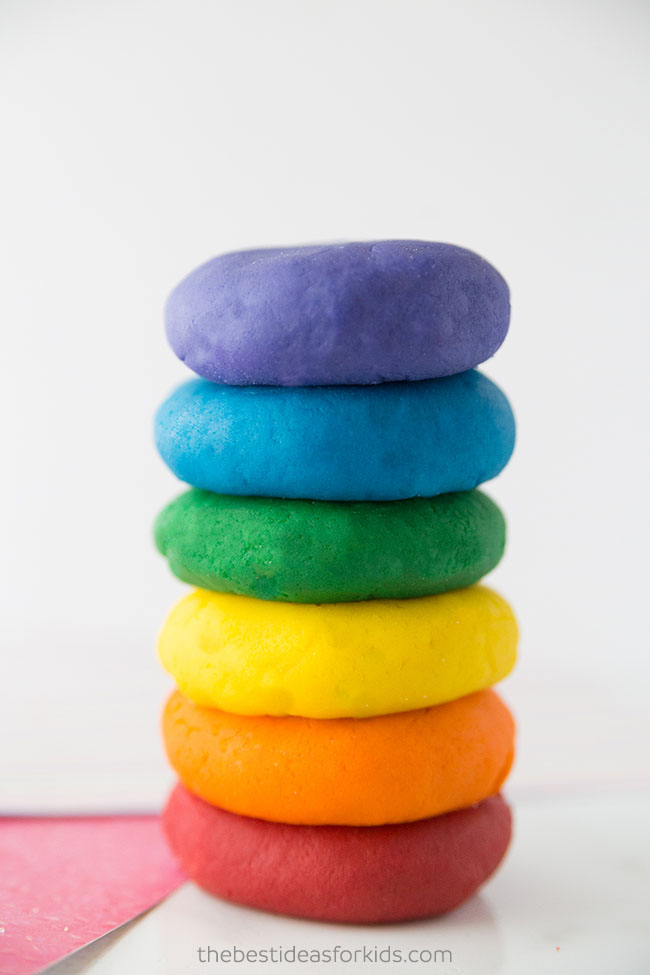 playdough as an indoor activity by kimberly